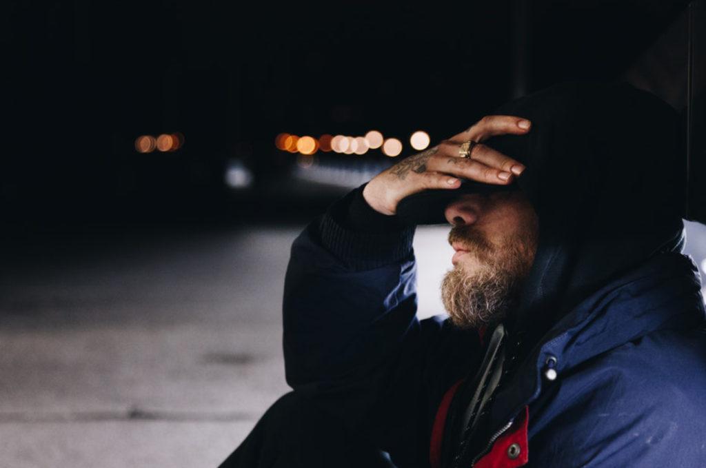 8 Symptoms Of Social Anxiety